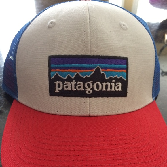 17143101822e4 Patagonia Accessories   Mens P6 Logo Trucker Snapback Cap Hat   Poshmark